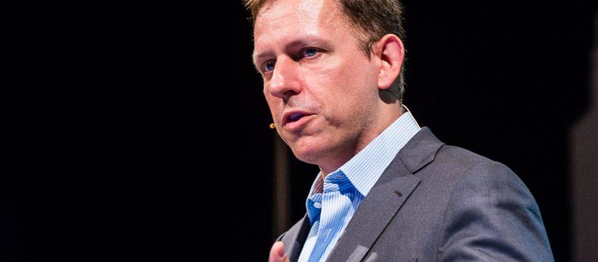Thiel korábban is állt elő vad ötletekkel, de újságot még nem perelt rommá