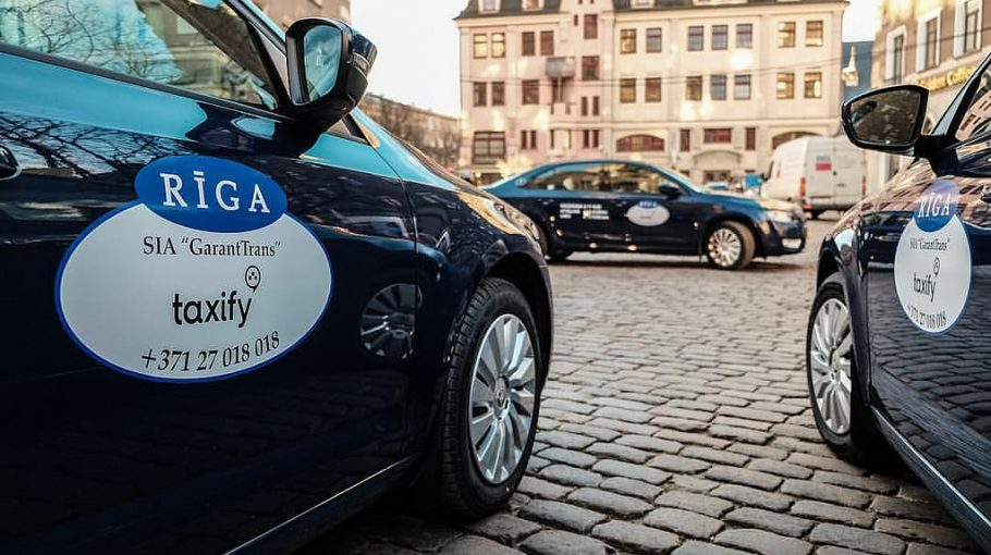 A magyar Taxify kocsik sárgák lesznek, mint a többi társaság taxijai