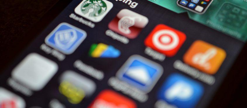 A mobilbank a második otthonunk. Na jó, valójában a hatodik. (Fotó: Jason Howie / Flickr CC-BY)