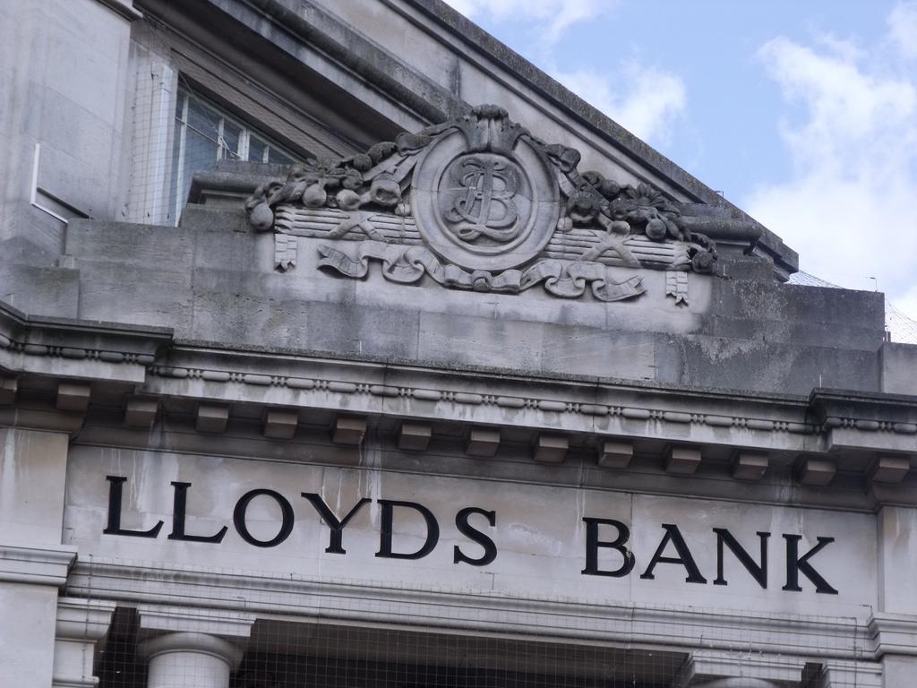 A Lloyds története 1695-ig nyúlik vissza, nem a mostani az első nagy átalakulás, amit átélnek