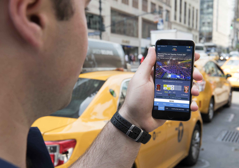 A városban is tud navigálni és a meccsek eredményeiről is tud mindent a watsonos app