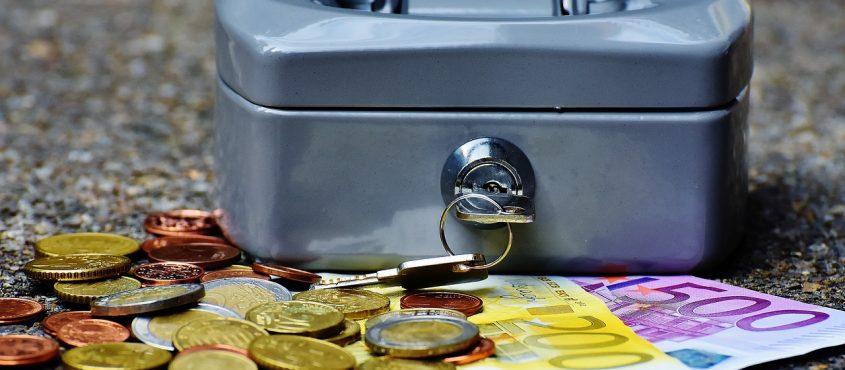 Már-már veszélyesen leegyszerűsítve a történetet: bevezették a bitcoin euróját, de mindenkinek megmaradt a német márkája is közben