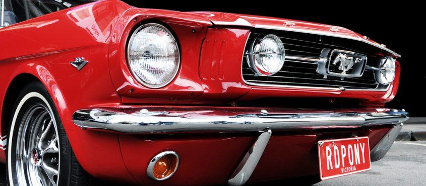 Bocs Mustang, a telefon már fontosabb (Fotó: Yasser Alghofily)
