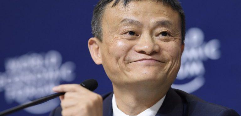 Ha az Ant terjeszkedési tervei sikeresek lesznek, sokat látjuk még Jack Mát így mosolyogni (Fotó: AFP PHOTO / FABRICE COFFRINI)