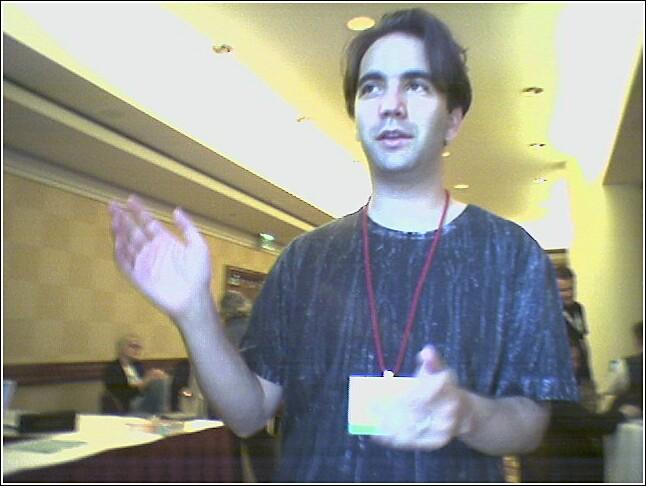 Cohen 2005-ben a Bittorrent technológiát magyarázza (Fotó: irina slutsky / CC-BY)