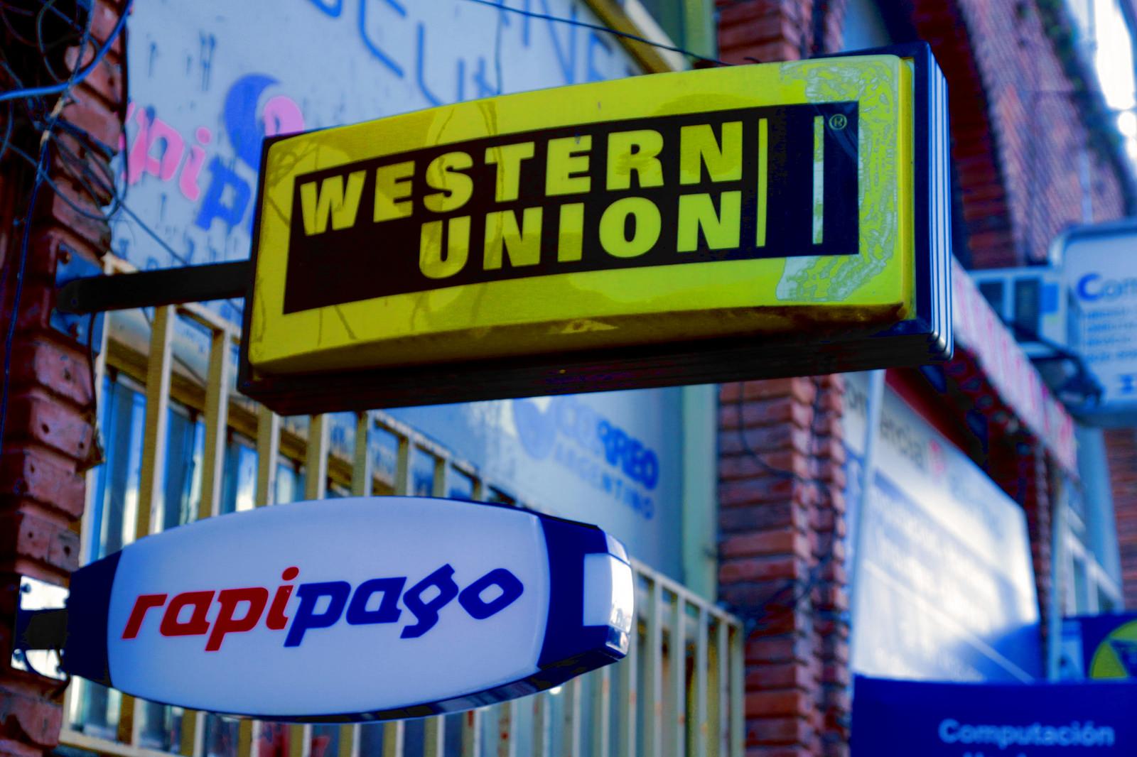 A vadnyugat korából megmaradt pénzügyi szolgáltatások bőrére megy a játék (Forrás: Paul Bischoff CC-BY)