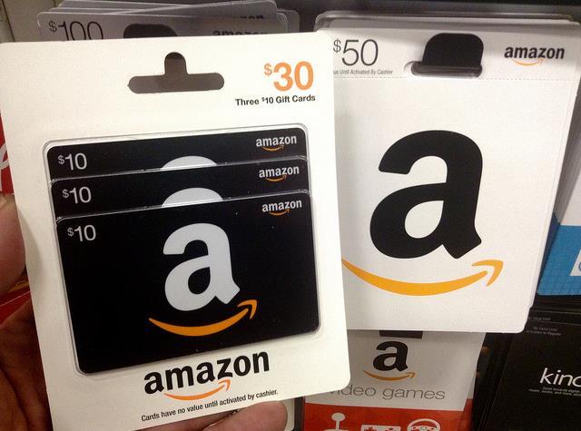 A kártya is pénz, a pénztárnál feltöltöt egyenleg is pénz (Fotó: Mike Mozart CC-BY)