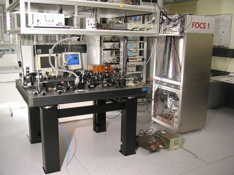 Harmincmillió évente késik egy másodpercet a svájci FOCS-1 atomóra. A világ sokkal pontatlanabb (Fotó: Wikimedia Commons)